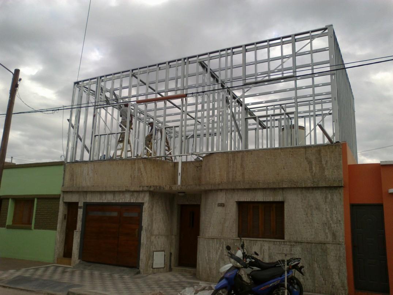 Barrio yapeyu ampliaci n planta alta vivienda joven - Casas steel framing ...